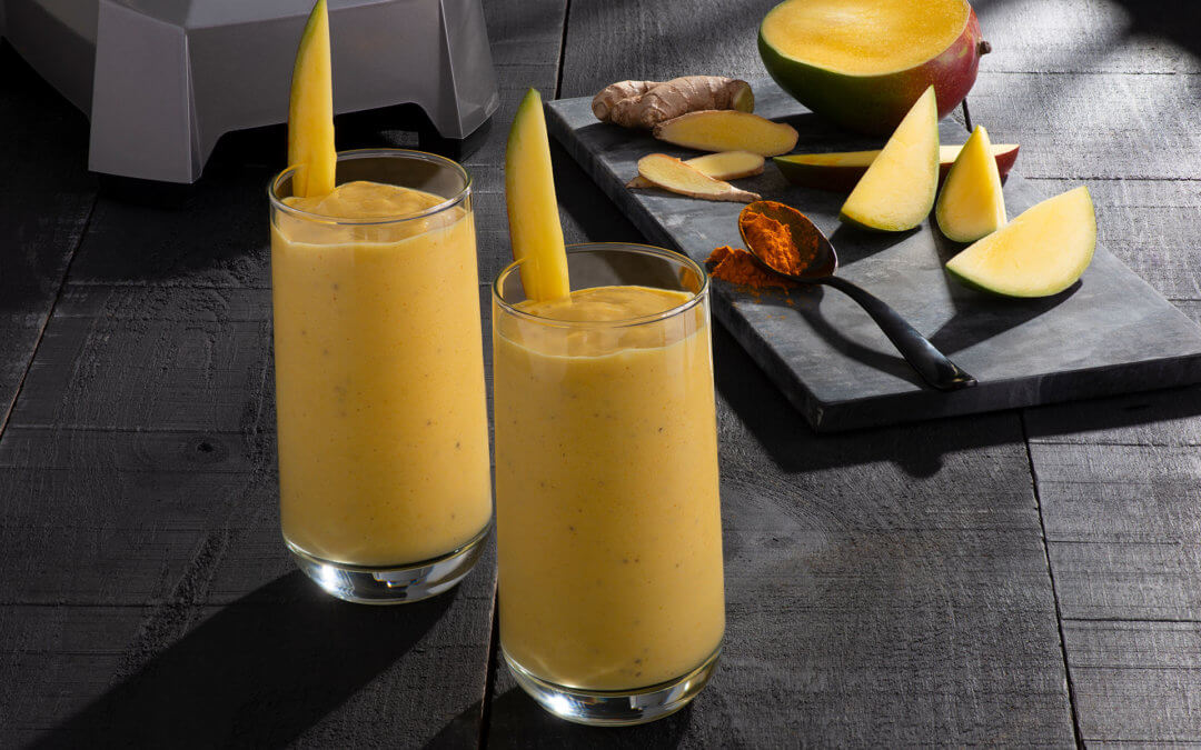 Ginger & Turmeric Mango Smoothie